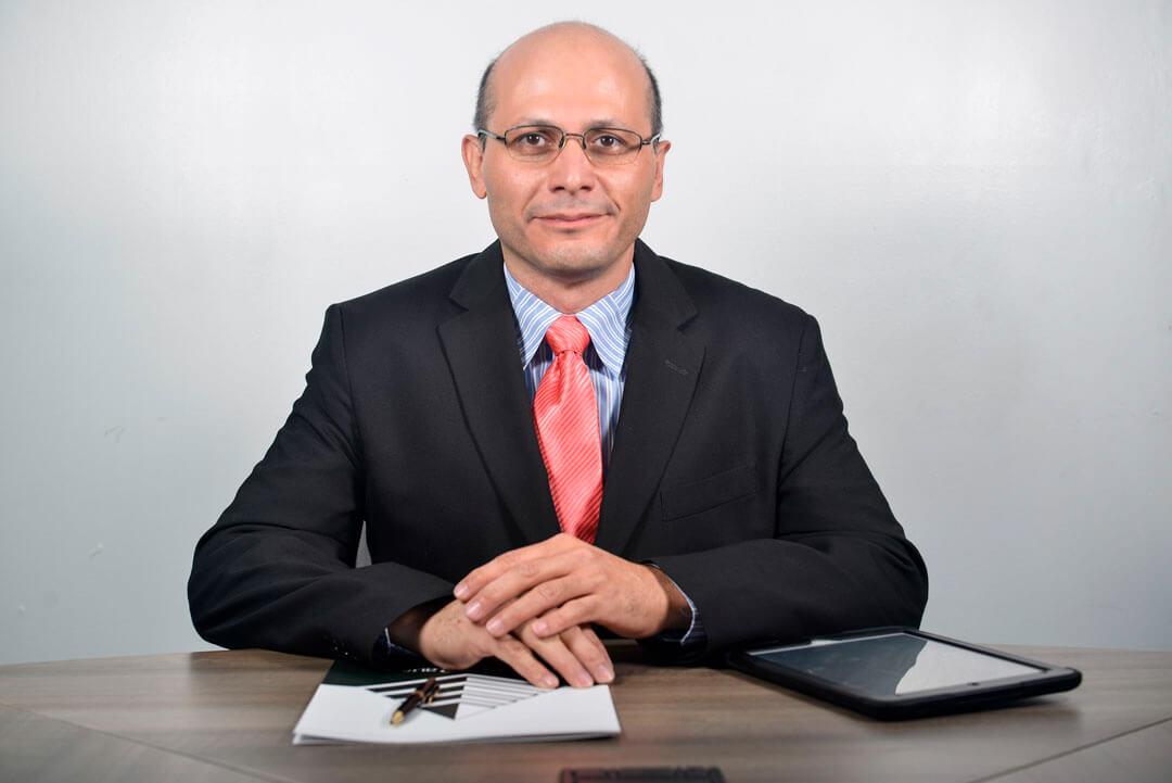 Marco E. Villano G.